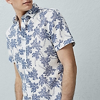 Camisa Slim-Fit Estampado Palmeras