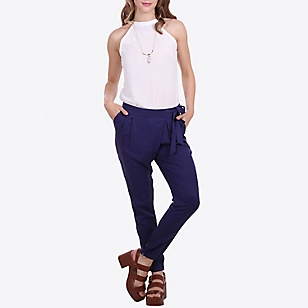 Pantalón Aplicación Cinturón en Costado