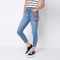 Jeans High Corto Bordado