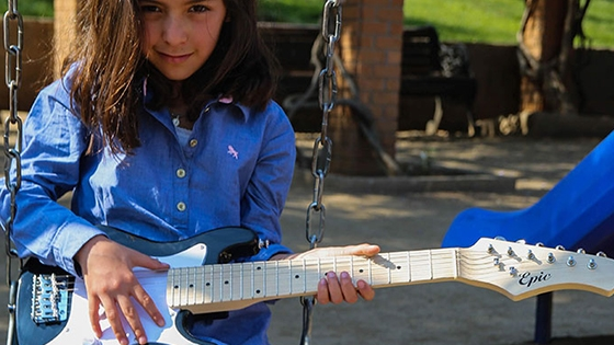 guitarra electrica niño negra
