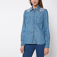 Blusa Denim Bordados