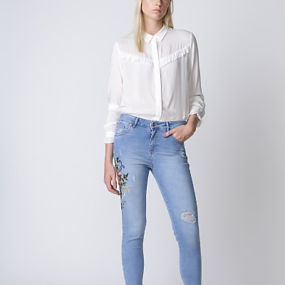 Jeans Bordado Flores