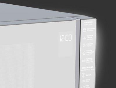 Detalle del panel de control con membrana digital.