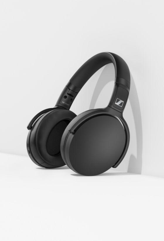 Audífonos HD 350 Bluetooth de Sennheiser negros en fondo blanco