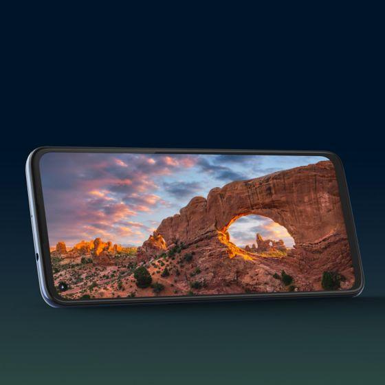 Diseño sorprendente con pantalla de 6.8