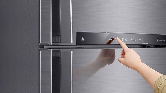 Panel táctil en la puerta de la refrigeradora