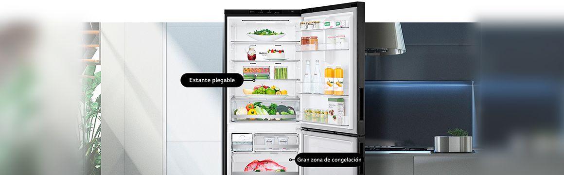 Refrigeradora en la cocina mostrando almacenamiento conveniente