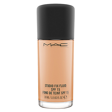 Base de Maquillaje Studio Fix Fluid SPF 15 Foundation
