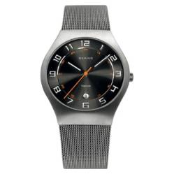 Reloj Hombre Classic Titan Mesh Acero
