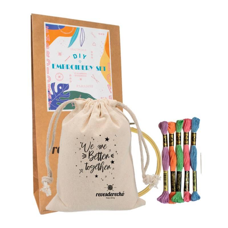 REVESDERECHO - Kit Bordado Lettering