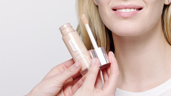 Base de Maquillaje y Corrector Beyond Perfecting CLINIQUE