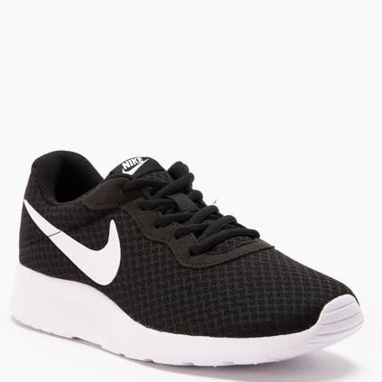 cae6a77cd557d Nike. TANJUN Zapatilla Urbana Mujer