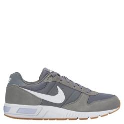 new arrivals b311a 6986d Nike. NIGHTGAZER Zapatilla Hombre Urbana