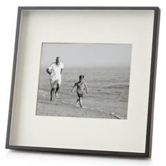 CRATE & BARREL - Marco De Foto Metalico 20X25 Cm