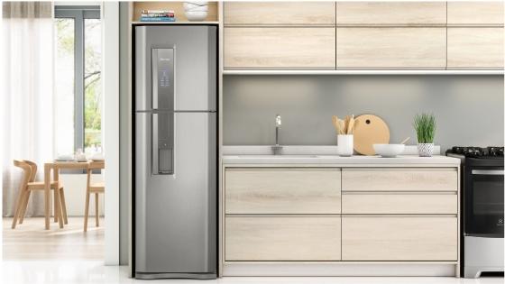 Modernidad y elegancia para tu cocina con el refrigerador Fensa DW44S