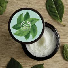 THE BODY SHOP - SCRUB SHAMPOO FUJI GREEN TEA 240ML A0X