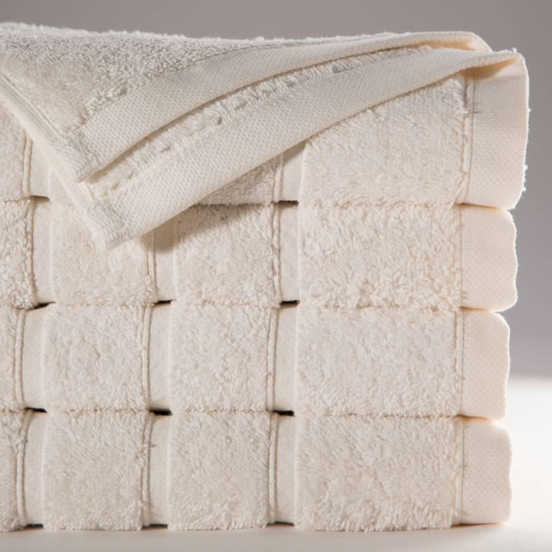BASEMENT HOME - Toalla Extra Grande de Baño Combed 680 gr