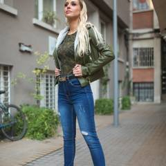 MOSSIMO - Jeans Push Up Tiro Alto  Mujer