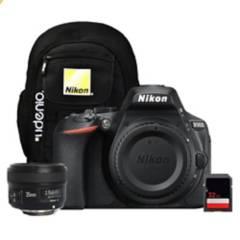 Nikon - Cámara D5600  Yongnuo 35Mm  Sd 32Gb  Mochila