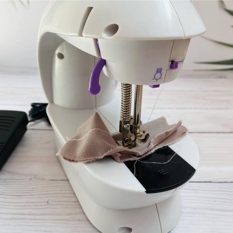 TM Lewin - Maquina de coser mini portatil