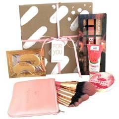 LILI JARAMILLO BOX - Kit Maquillaje Pink Box Lili Jaramillo Box