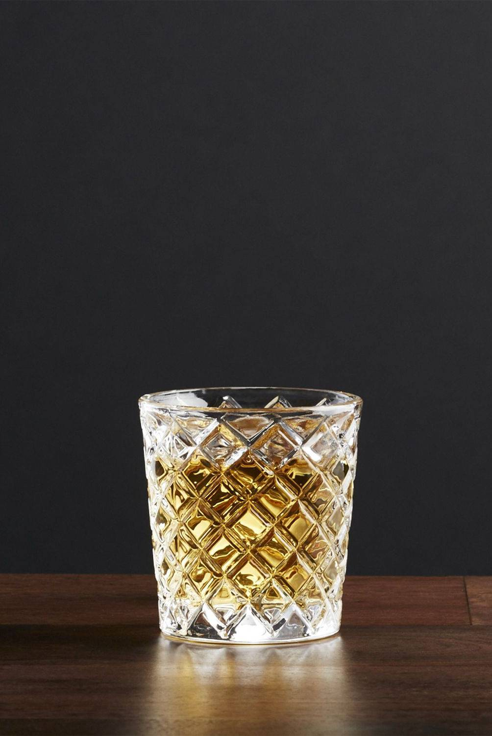 Crate & Barrel - Vaso Hatch Shot para Whiskey 6.35 cm.