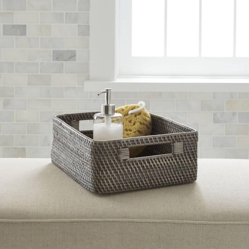 Crate & Barrel - Canasta Baja Sedona Gris 34 x 25 cm