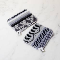 Crate & Barrel - Set x2 Esponjas Blanco y Negro