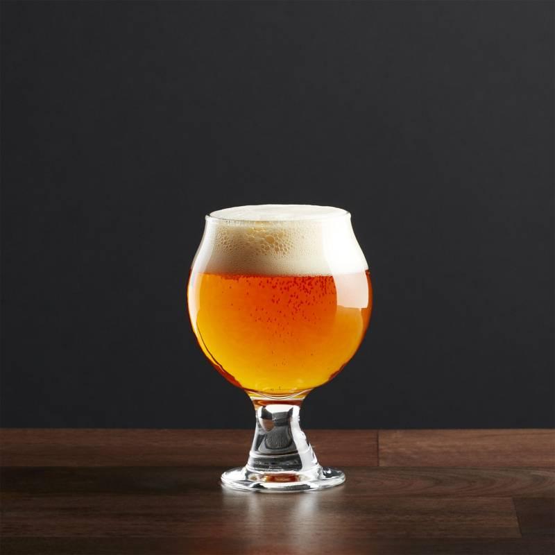 Crate & Barrel - Copa de Cerveza Belga 148 ml