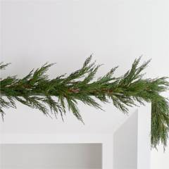 Crate & Barrel - Guirnalda Artificial Cypress 196 cm