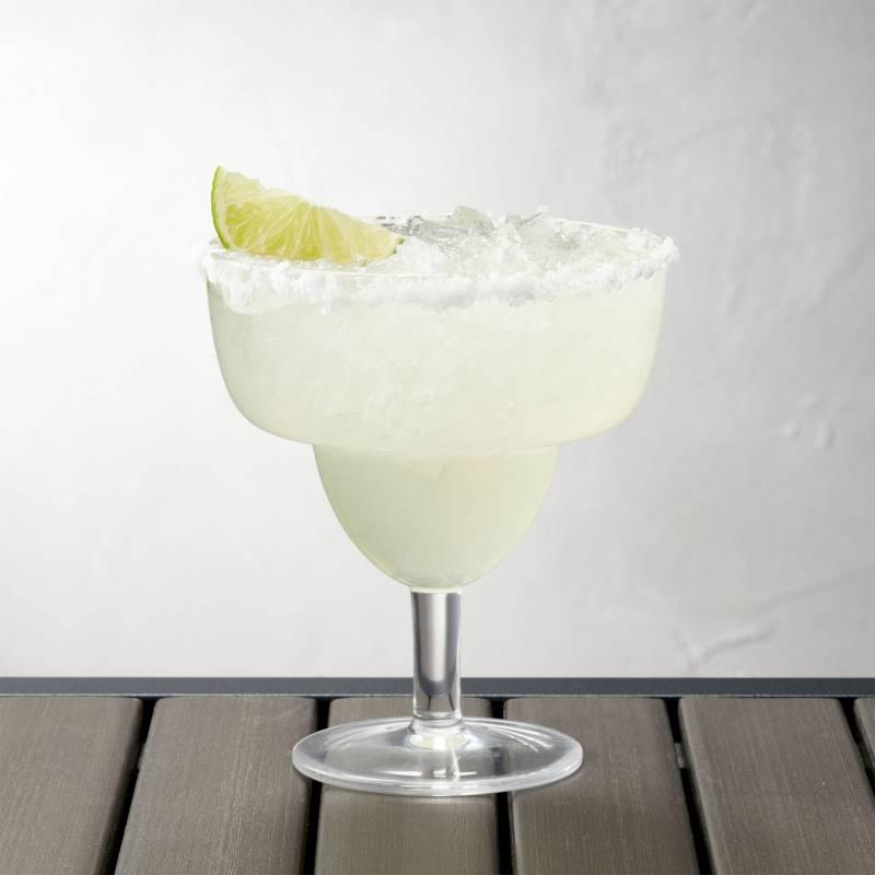 Crate & Barrel - Copa Para Margarita En Acrílico Apilable