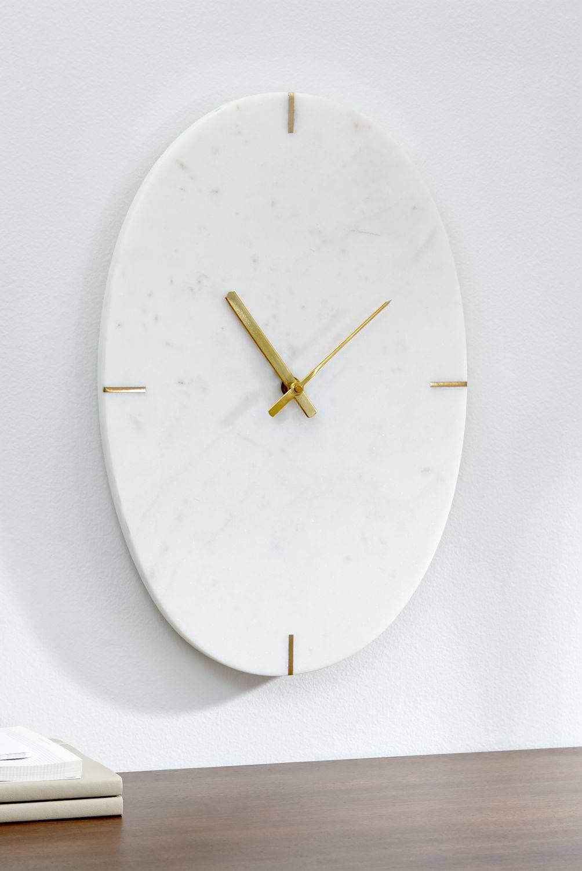 Crate & Barrel - Reloj de Mármol Blanco