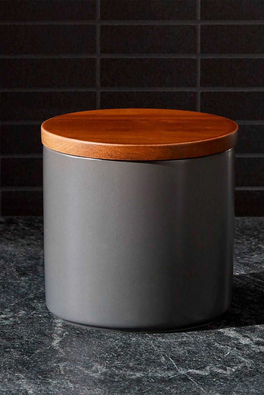 Crate & Barrel - Contenedor Silo Pequeño