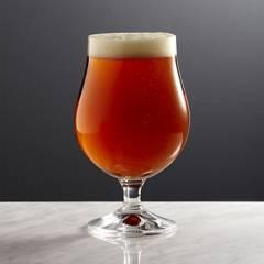 Crate & Barrel - Copa de Cerveza Bruges 473 ml
