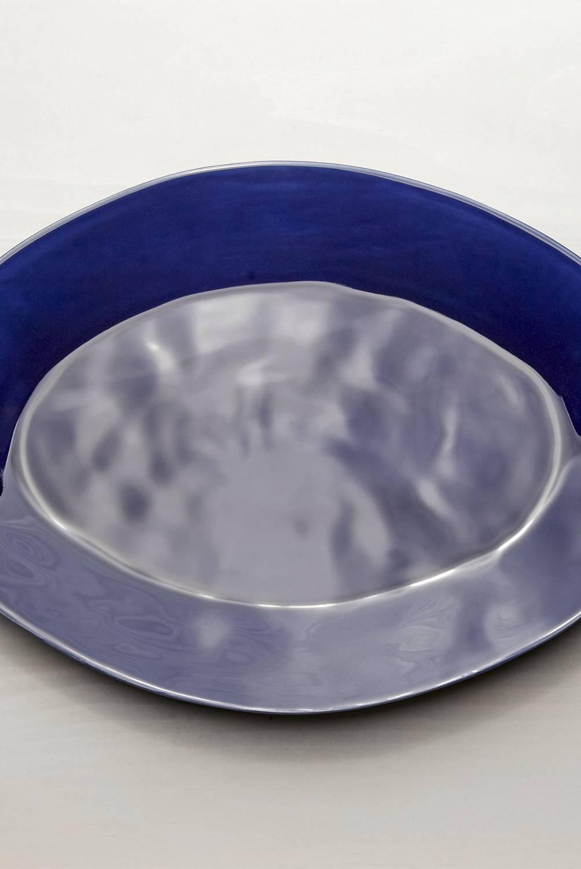 Crate & Barrel - Bandeja Oval Marín Azul Marino 51 cm
