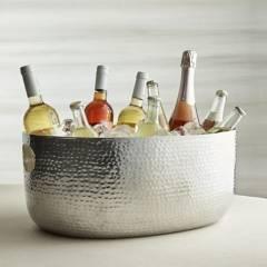 Crate & Barrel - Hielera Bash Plata 23x50 cm
