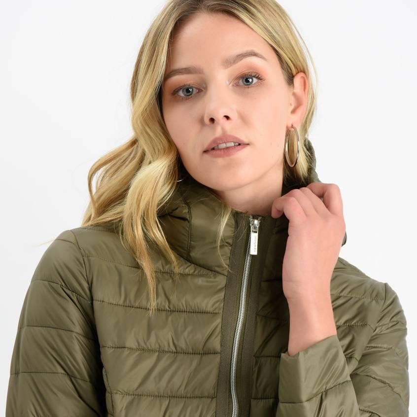 De Plumas de mujer Nike cuello ¡Compara 3 productos y compra