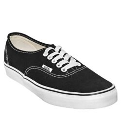 c67bca7d3 VANS. Zapatillas urbanas Authentic