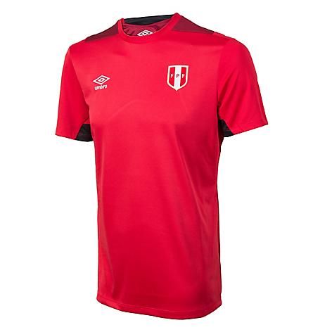 Camiseta Deportiva de Entrenamiento Umbro Perú - Falabella.com 90af47acc5fba