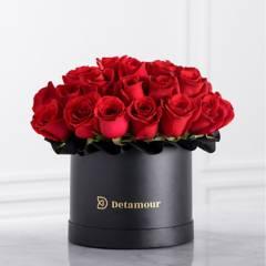 DETAMOUR - Hat Box Negro Rosas Rojas