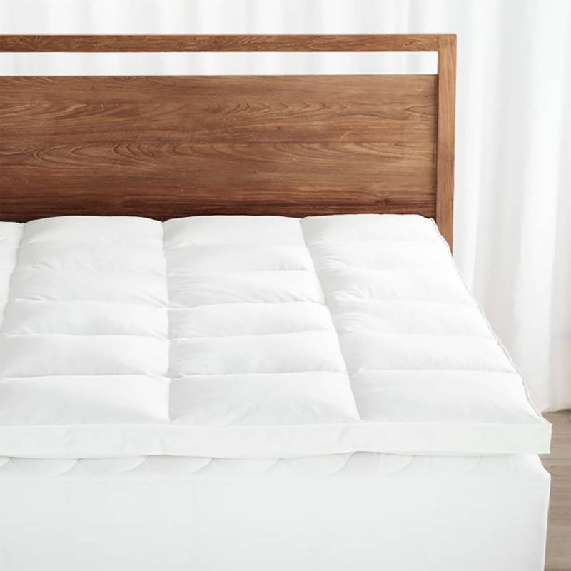 CRATE & BARREL - Cobertor De Plumas Para Colchón Queen