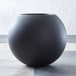 CRATE & BARREL - Maceta Sphere Gris Oscuro Grande
